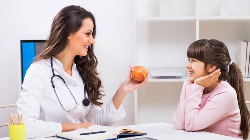 تواصل مع دكتورة تغذية اطفال لمستقبل صحي لأطفالك